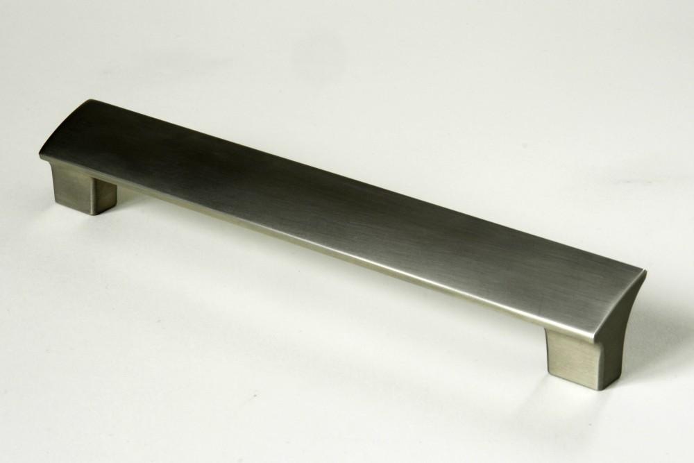 Úchytky a madla, rozteč 160 mm kartáčovaný nikl (1)