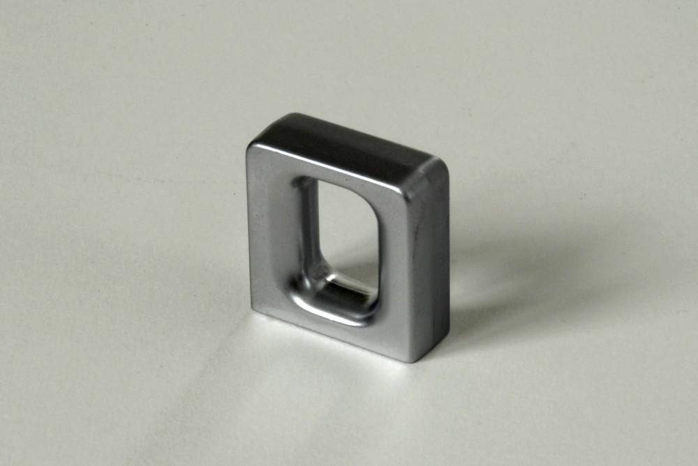Úchytky a madla - rozteč 16 mm matný chrom(1)