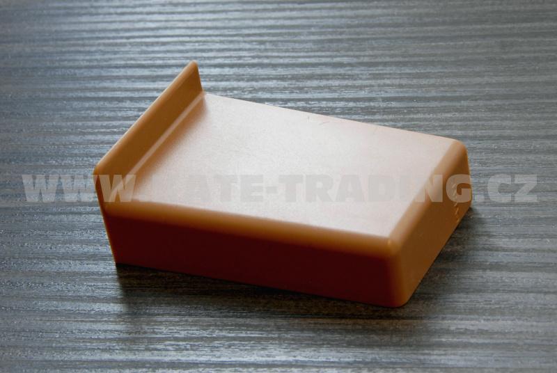 krytka retifikačního kování plast hnědá RAL 8003 praváCAMAR 806