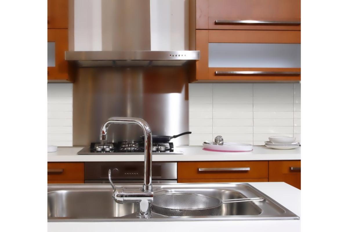 Kuchyňská nerezová zástěna 900x750