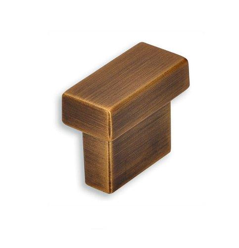 Kovová knopka: Délka: 29 mm, Rozteč:16 mm, Povrch: mosaz ručně b
